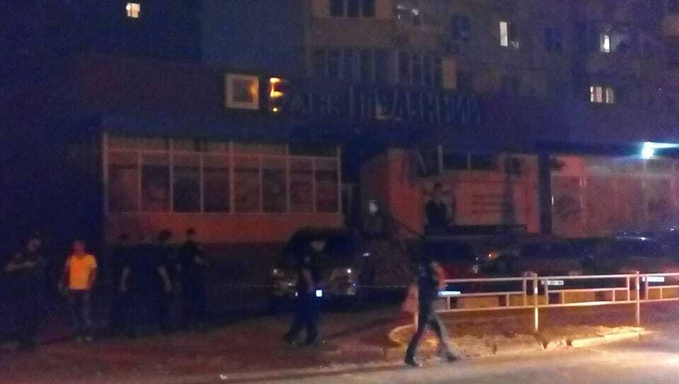 Мощный взрыв в Херсоне: очевидцы сообщили о подрыве банка