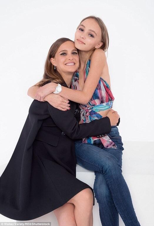 Беременная Натали Портман и дочка Деппа устроили милую фотосессию на фестивале в Торонто