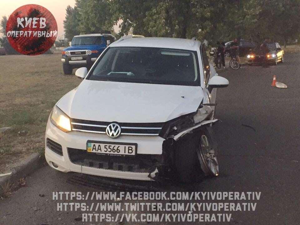 Смертельна ДТП у Києві: водій вилетів на зустрічну