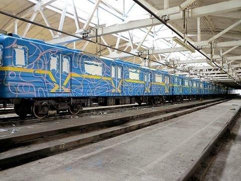 """В Киеве """"нарисовали"""" еще один поезд-мурал"""