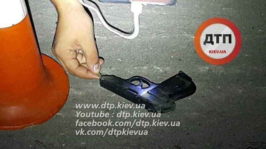 Мало не збив колег: на Київщині п'яний поліціянт ледь не влаштував смертельну ДТП