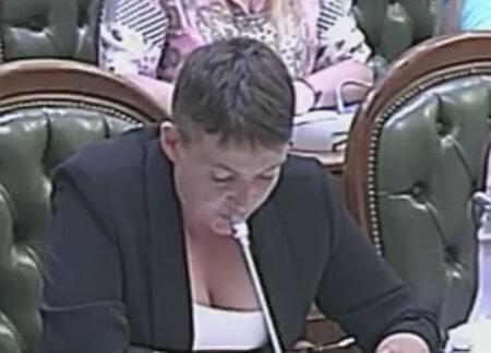 Савченко обескуражила Раду смелым декольте