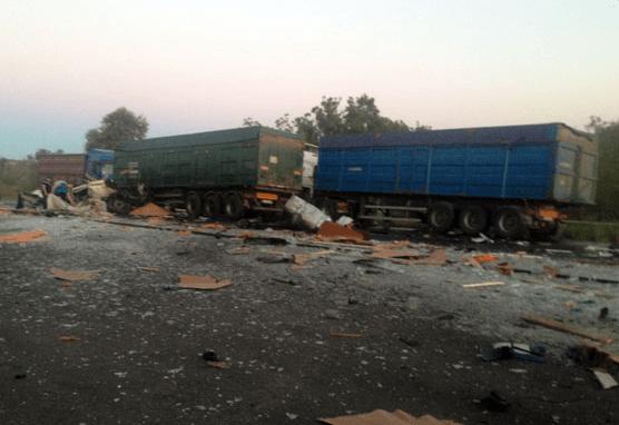 На Полтавщине столкнулись три грузовика: есть погибшие
