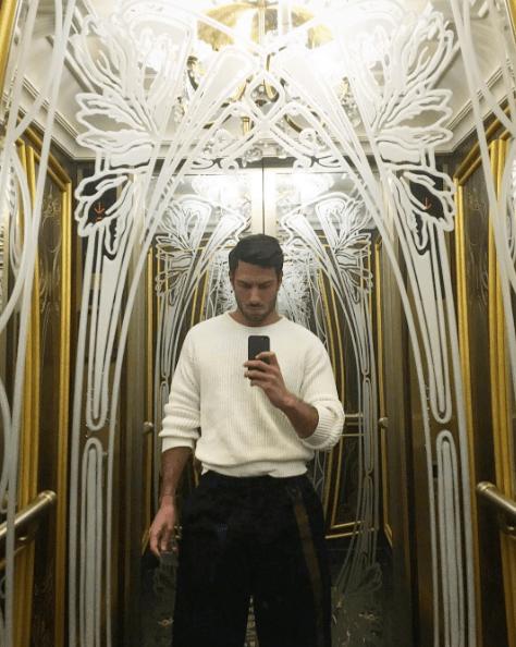 Рики Мартин с бойфрендом посетили в Москве художественную галерею