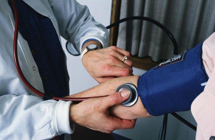 Причины и лечение скачков артериального давления