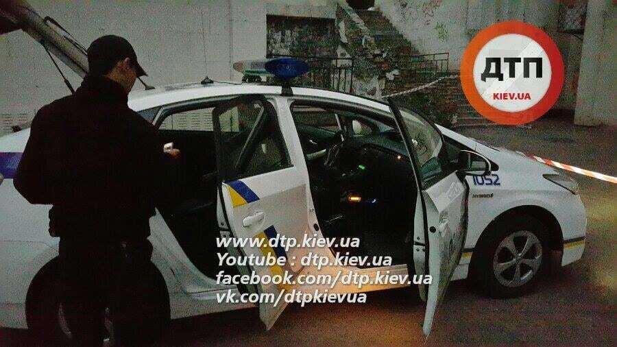 Забрали понад 2 млн грн: у Києві псевдо-СБУшники із автоматами напали на валютників