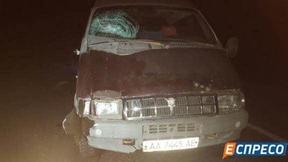 Під Києвом автомобіль збив на смерть пішохода