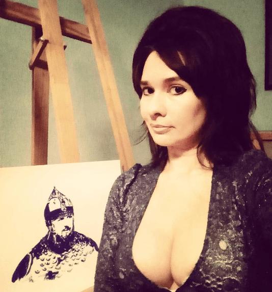 Доспехи возбудили: эпатажная российская художница нарисовала портрет Кадырова грудью