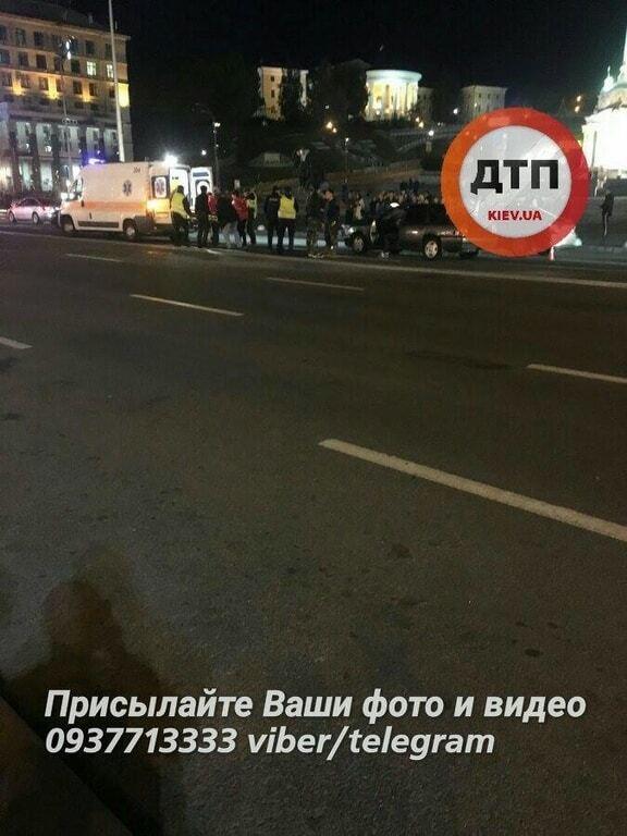 У Києві на Майдані Opel збив пішохода