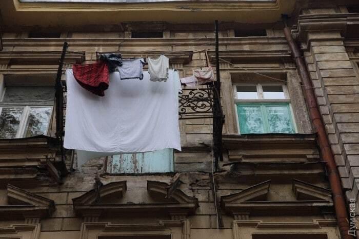 НП в Одесі: балкон обвалився з третього поверху разом із жінкою