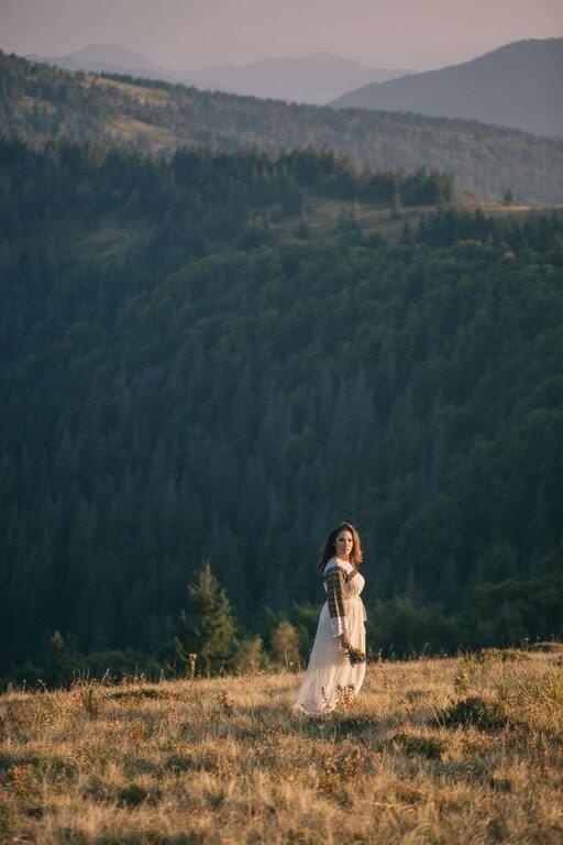 Наталка Карпа поделилась свадебными фото и видео с героем АТО