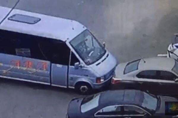 Водителя, пытавшегося задержать убийцу полицейских в Днепре, наградили пистолетом