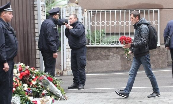 Вічна пам'ять: у Дніпрі прощаються із загиблими поліцейськими