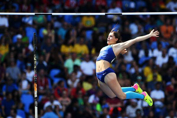 Бубка в юбке: 20-летняя легкоатлетка побила рекорд Украины на турнире в Италии