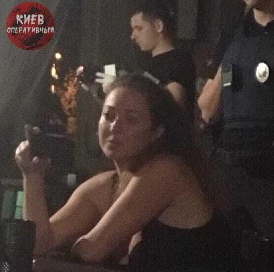 Скандальна дівчина-коп влаштувала нову сутичку у Києві