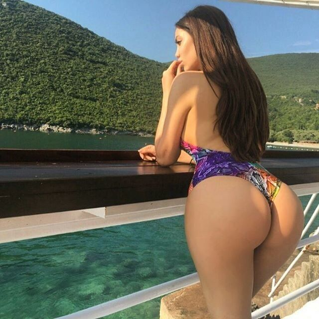 Секс-бомба Януковича: что известно о звезде Playboy