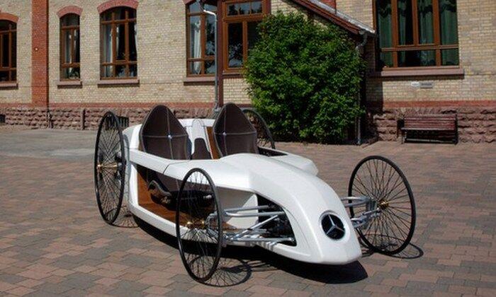 Автомобиль Mercedes Benz F-Cell Roadster.