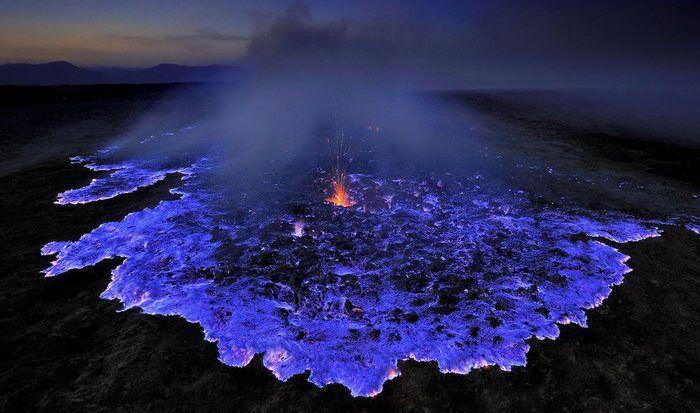 Невероятное природное явление: синяя лава.
