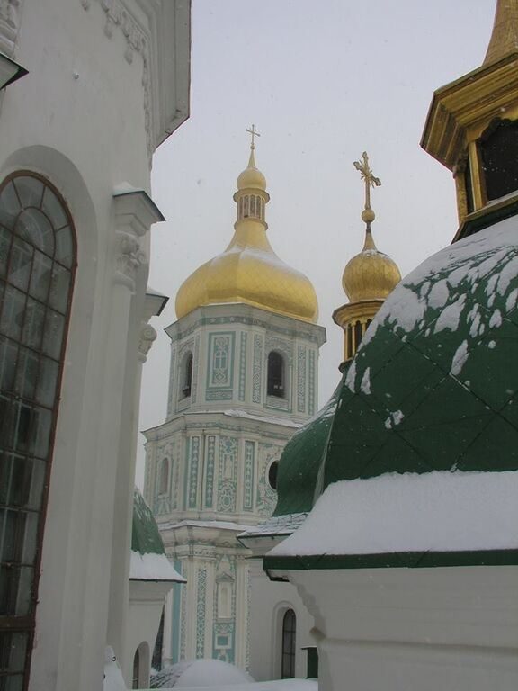 1,5 метра снега: в соцсети появились фото с крыши Софии Киевской