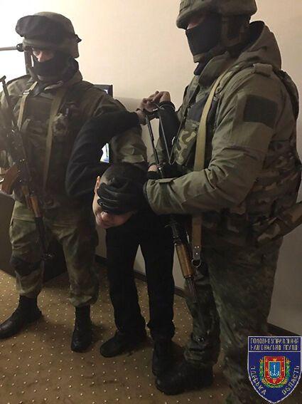 Вооружен и опасен: на Одесщине задержали грабителя-рецидивиста