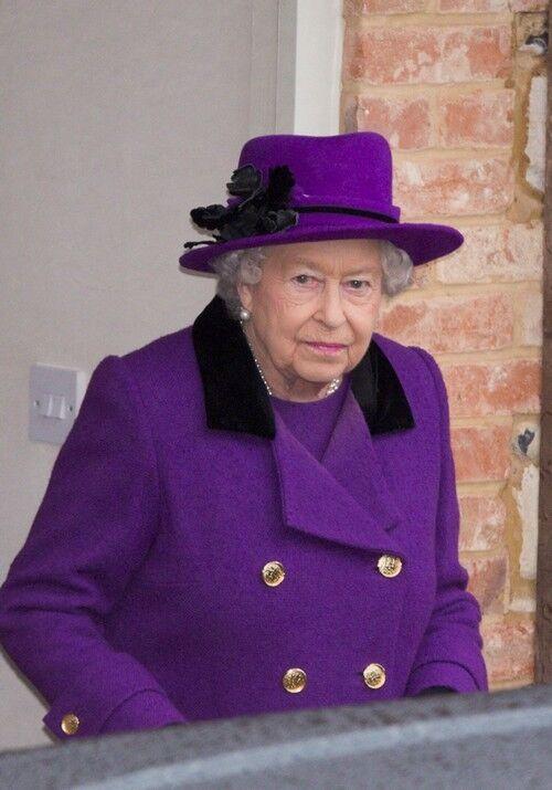 """Появились свежие фото """"умершей"""" королевы Елизаветы II"""