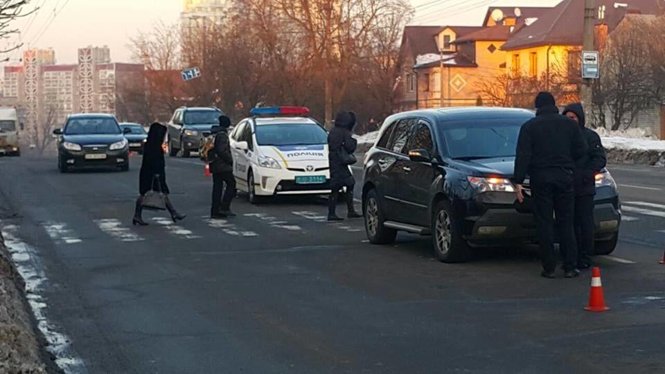 В Киеве автомобиль сбил трех детей: опубликованы фото ДТП