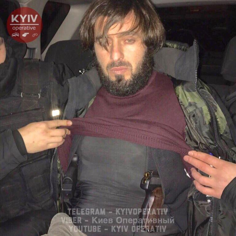 """У Києві затримали озброєного чеченського """"розвідника"""" з подільником"""