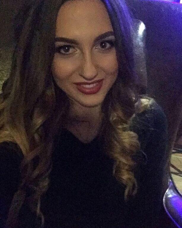 Жена футболиста сборной Украины очаровала интернет своей внешностью