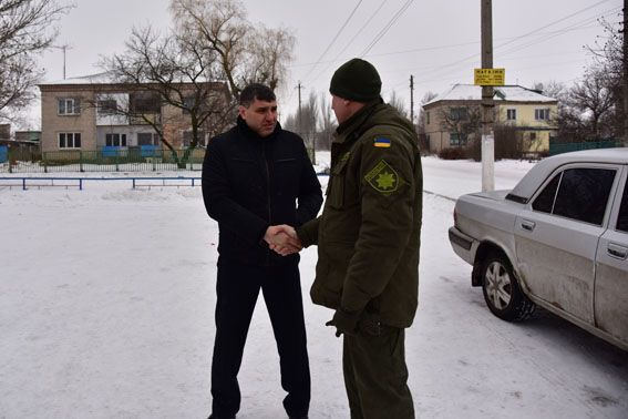 У звільненому від терористів Новолуганському запрацювала патрульна поліція