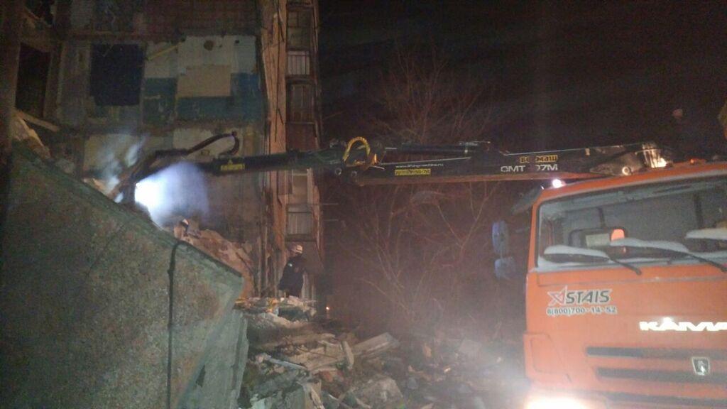 У Казахстані багатоповерхівка поховала 9 осіб