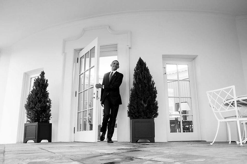 Трогательный момент: фотограф показал прощание Обамы с Белым домом