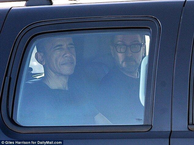 На своей волне: стало известно, как Обама провел первый день отпуска