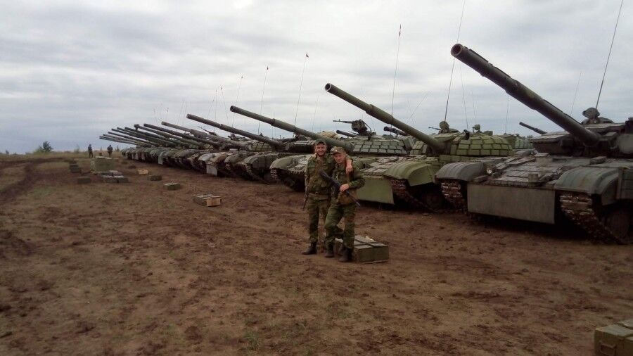 Танки, САУ и БТР: в сети показали доказательства присутствия российских военных на Донбассе
