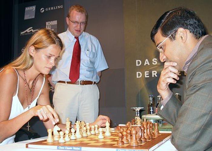 Преображение года: эстонская супермодель променяла подиум на шахматы