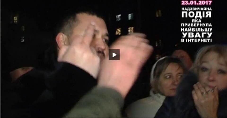 """Погрожував автоматом очевидцям ДТП: стала відома особа київського """"хероя"""""""