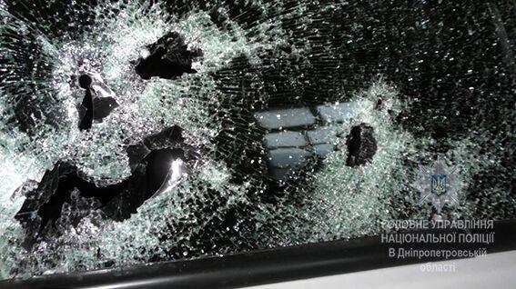 Свавілля у Дніпрі: бізнесмена й охоронців розстріляли в авто через гроші