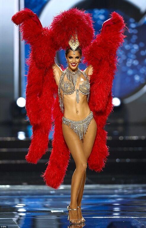"""Шоу национальных костюмов на """"Мисс Вселенная-2016"""": яркие наряды участниц"""