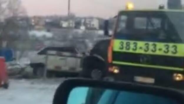У Києві сталася страшна аварія з фурою і легковиком