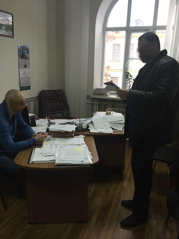 В Киеве проректор академии погорел на взятке