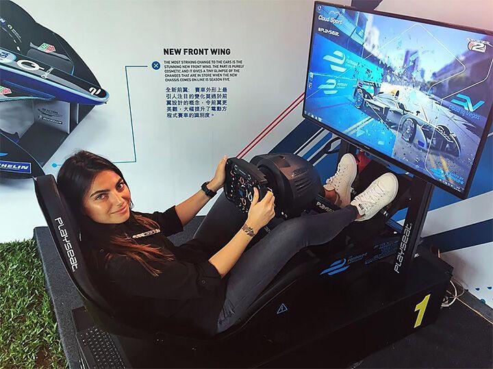 Российского пилота Формулы-1 застукали с дочкой знаменитого чемпиона
