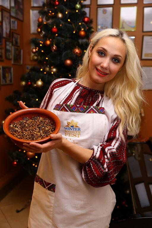 В Яремче готовили кутью с коньяком, ели голубцы Сумской и вареники Бучинской
