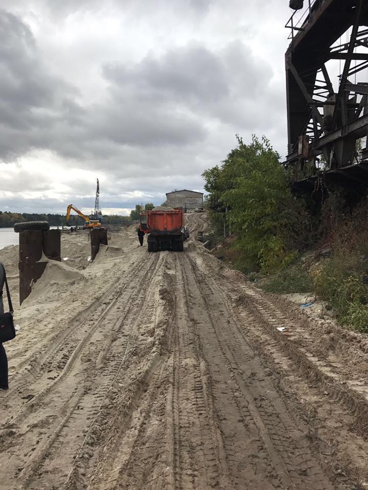 """""""Улов"""" на мільйони: на Київщині припинили масштабний нелегальний видобуток піску"""