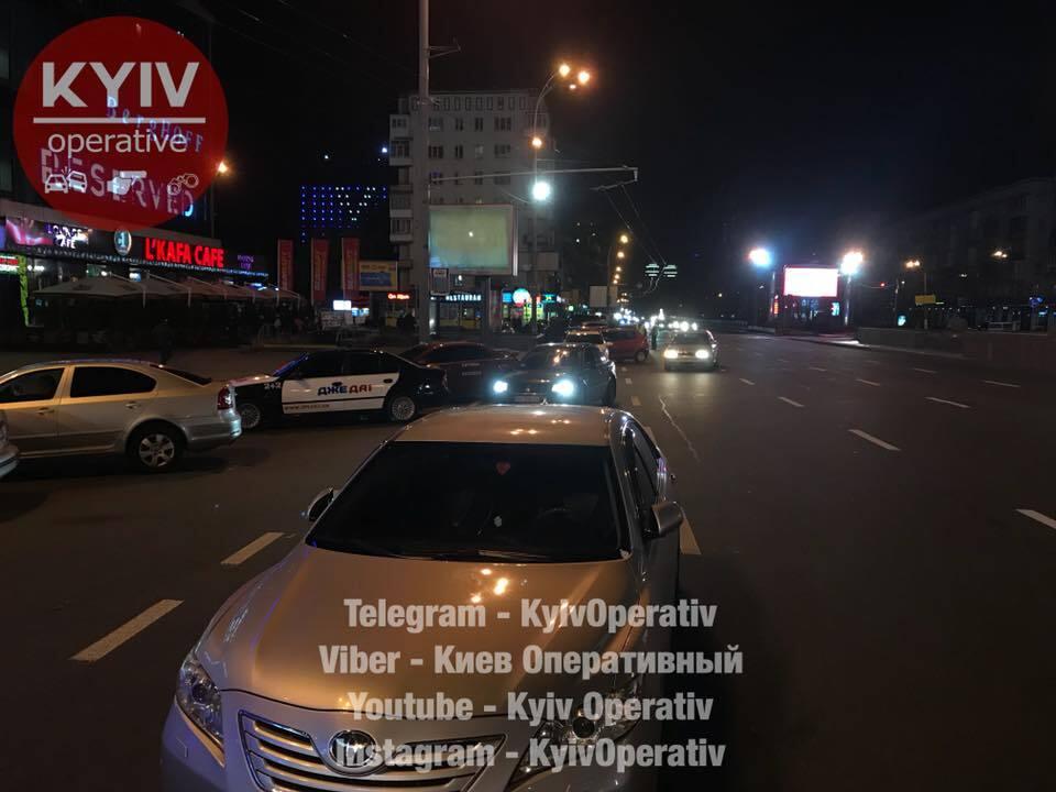 У Києві таксі Uber спровокувало масштабну ДТП