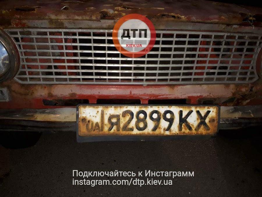 """""""Два роки не міг її завести"""": мережу розсмішило викрадення іржавої машини у Києві"""