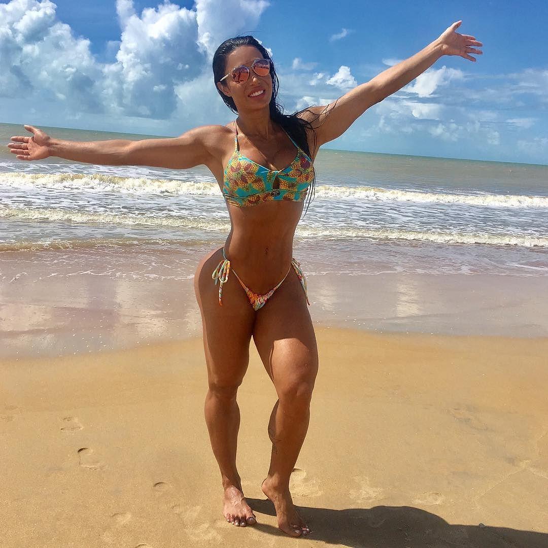Впечатляющие формы бразильской фитнес-дивы не оставили равнодушных в Instagram