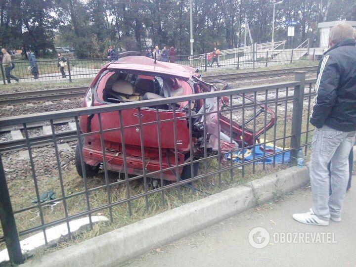 Розбитий автомобіль Chery