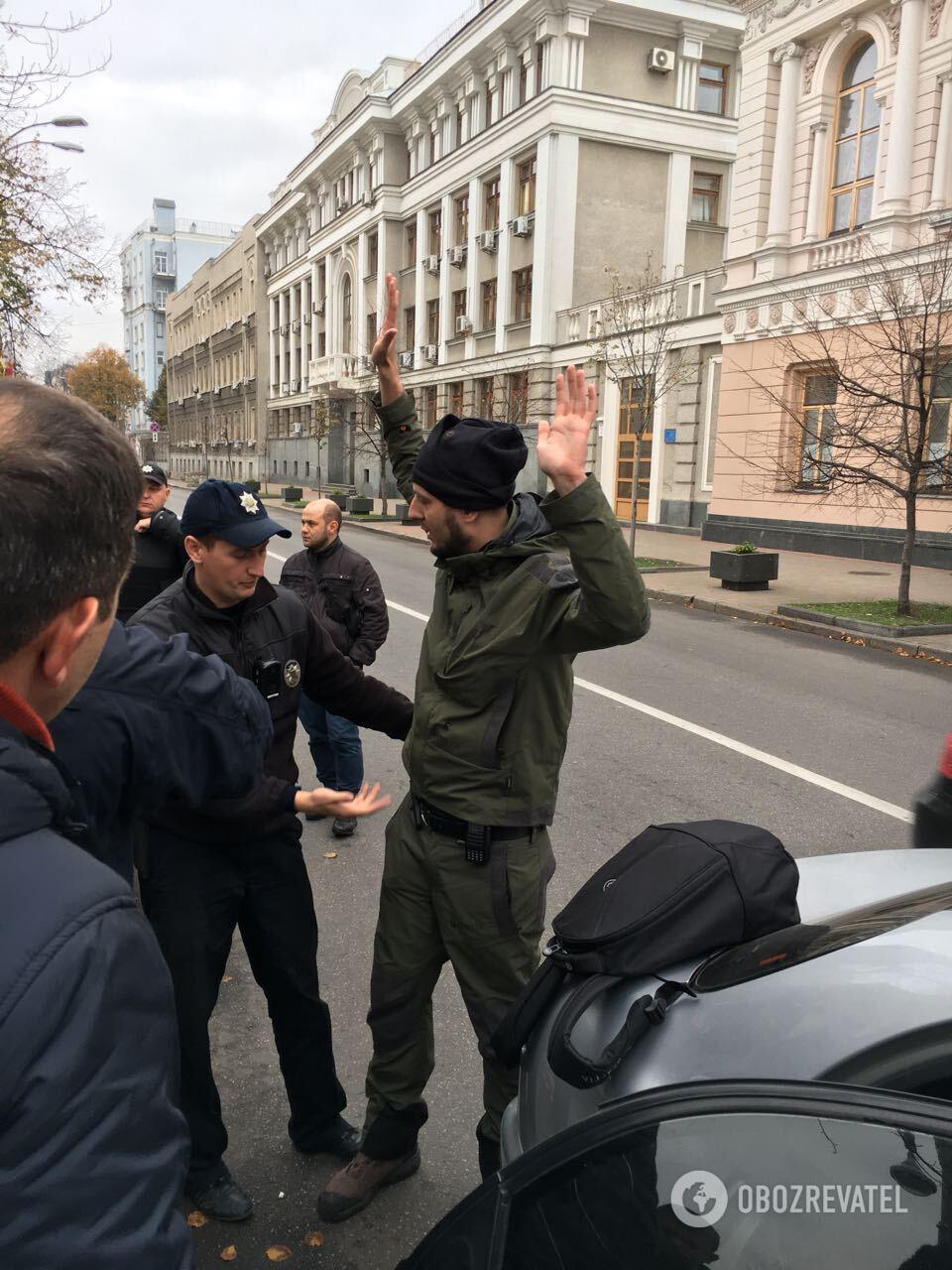 """Задержание вооруженного мужчины под Радой: """"Обозреватель"""" узнал имя"""