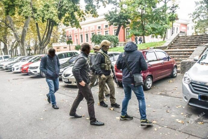 НАБУ провело обыск у мэра Одессы Труханова