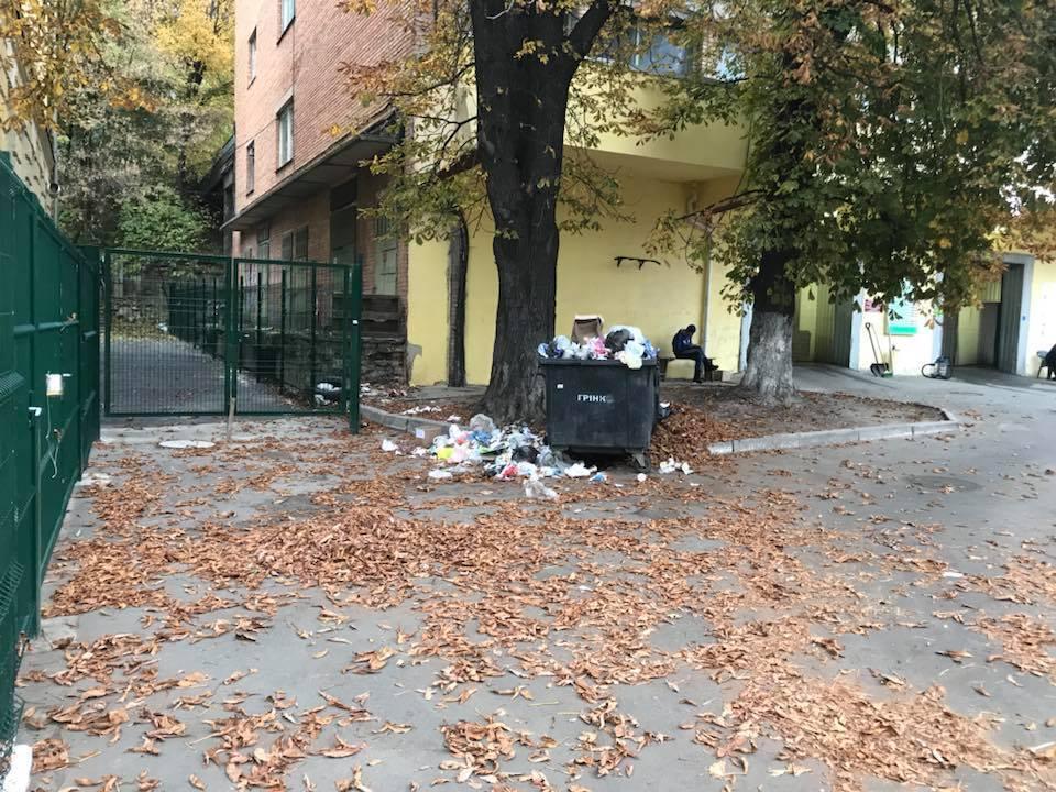 """""""О последствиях не думают"""": киевлян возмутила ситуация с больницей в центре города"""