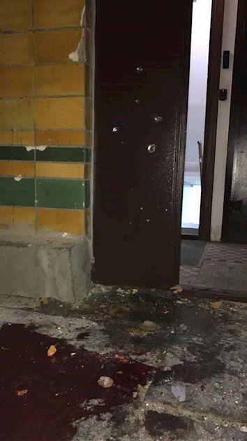 Лужи крови и разбитые стекла: появились новые фото с места покушения на Мосийчука
